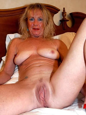 mature ladies cunts porn pictures