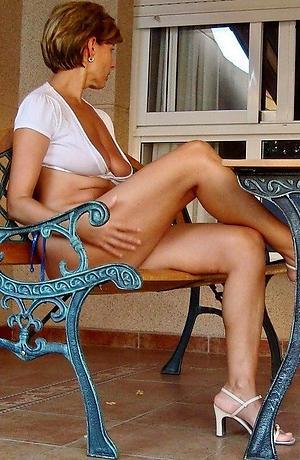 matured private homemade adore posing nude
