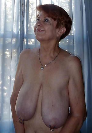 bare horny old ladies