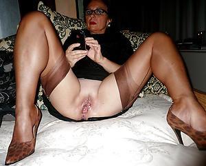 xxx pictures of mature vulvas
