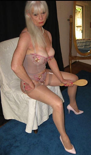 porn pics of grown up mom legs