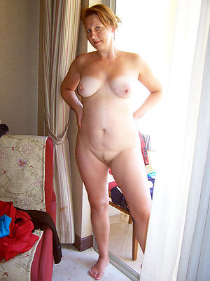 naked mature redhead wife