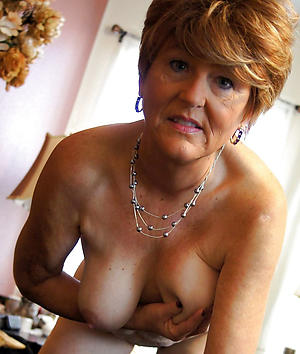 mature elegant ladies love posing uncovered