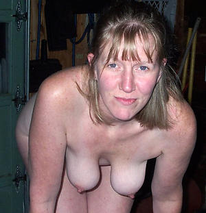 old of age wife posing nude