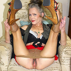 xxx pictures be expeditious for grannies with regard to high heels