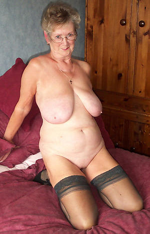 nude grannies with glasses private pics