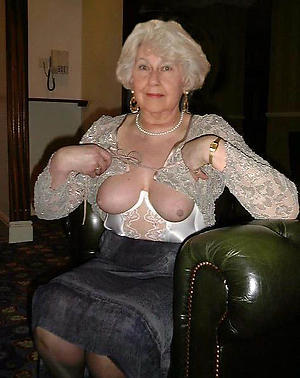 porn pics of nude grandmother