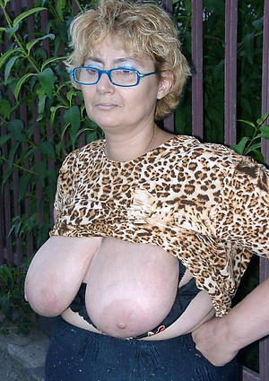 xxx pictures of full-grown heavy saggy breast
