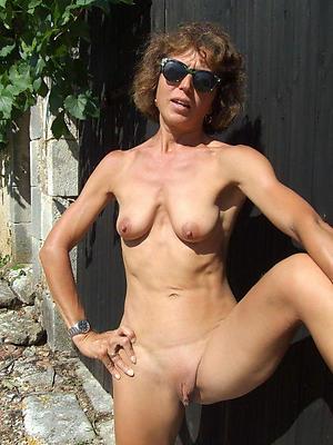 saggy tits mature supercilious pics
