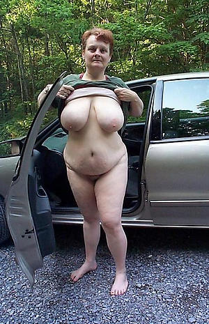 naughty mature open-air pussy pics