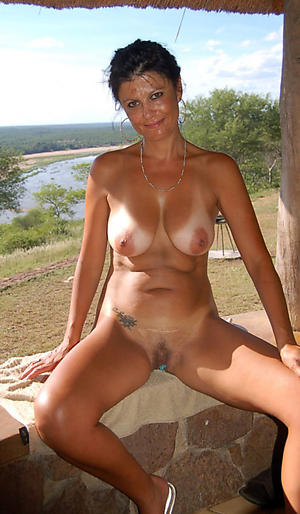 stunning mature outdoor pussy divest pics
