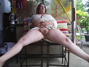free pics of matured outdoor pussy