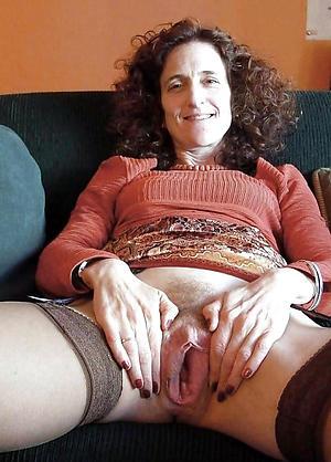 amateur mature vulva porn pic