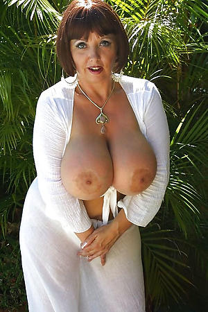 nude hot granny boobs