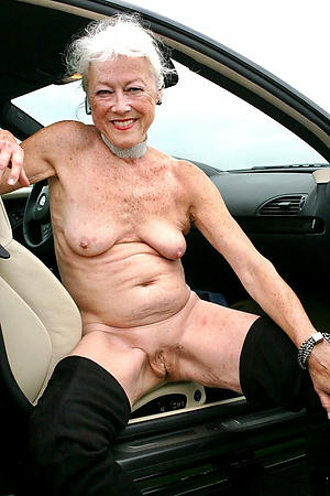 asinine granny with shaved pussy porn foto