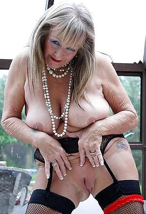 sexy older grannies porn pictures