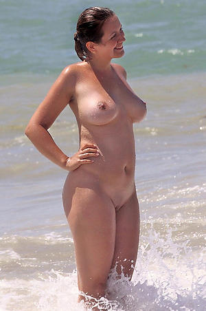 porn pics be useful to granny on the beach