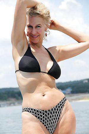 busty doyen women far bikinis