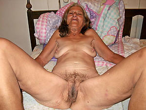 naked very age-old grannies posing unclad