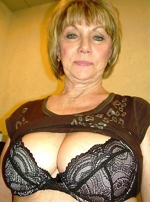 older women pussy selfshot posing nude