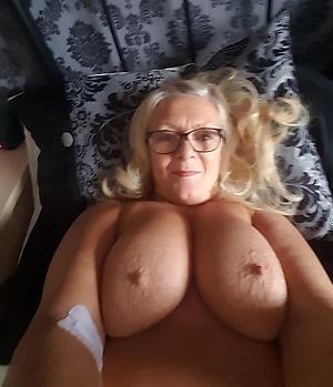 older women nude selfshots Bohemian pics