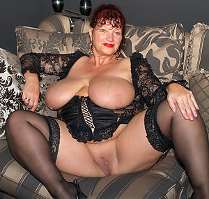 nude pics of off colour matured housewifes