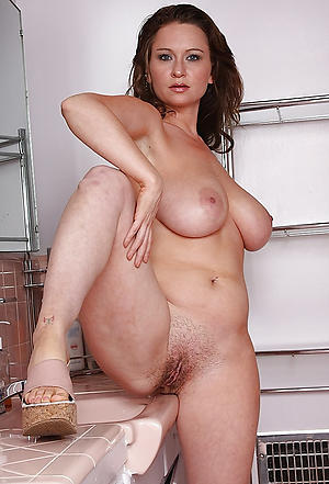 nude pics of experienced women milf