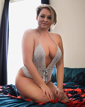 naked granny milf porn pic