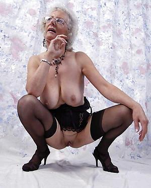 naked older ladies love posing