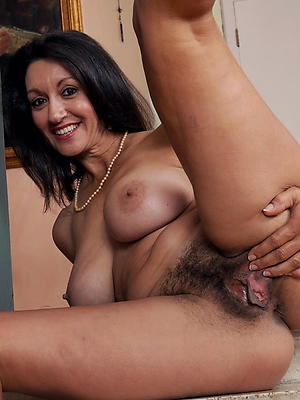 doyenne women with hairy pussy porn pics