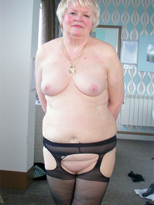 xxx pictures of old blonde women