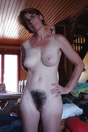 free pics of old brunette pussy