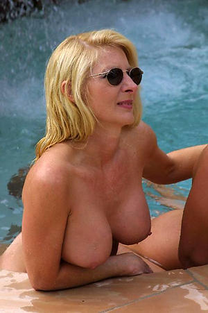 xxx pictures of older blonde pussy