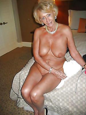 naked older blonde pussy porn pics