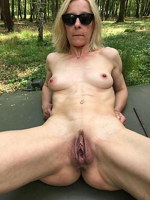 older vagina pics posing nude