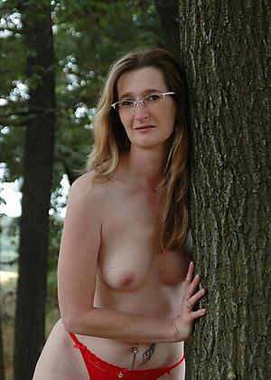 granny outdoors private pics
