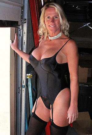 older women cougars private pics