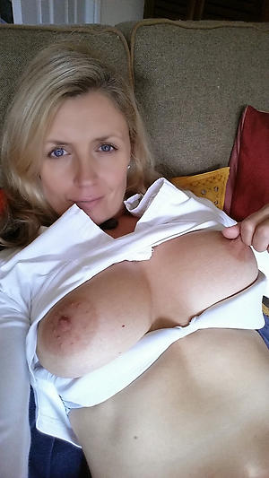 sex galleries of self shot older women