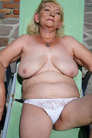 nude pics of older women close by big titties