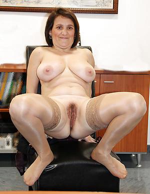 nice beautiful age-old ladies porn pics