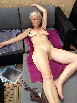 starkers amateur granny pussy