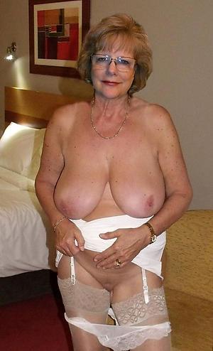 busty granny amateur pics