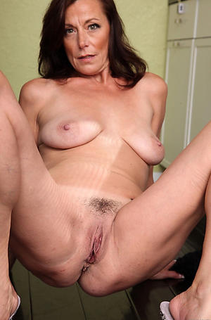 old mom pussy porn pics