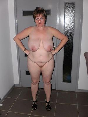 granny big boobs at arm's length pics