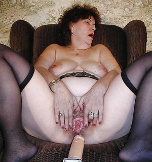 granny twat posing stripped
