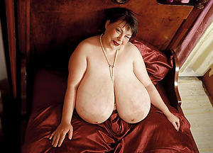 naked sexy busty grannies pictures