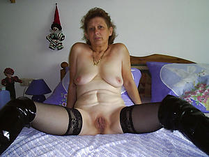 unclad pics of old granny pussy