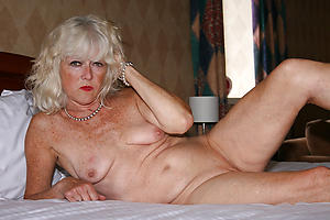 nude pics for venerable lady pussy
