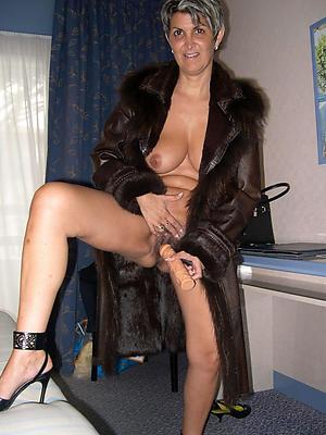 nude mature granny lady photos