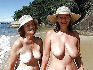 saggy granny tits private pics